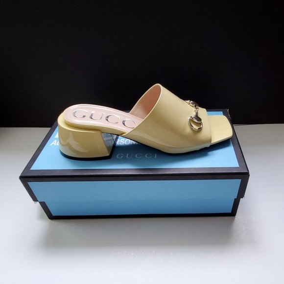 NIB GUCCI Lexi Yellow patent leather sandals 39.5